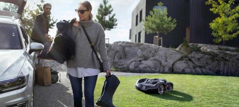 How do robotic lawn mowers actually work?
